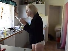 blonde milf is hungary. linn from 1fuckdate.com