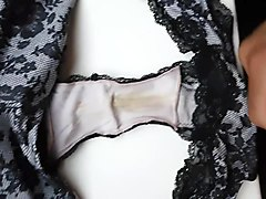 french lover cum on my wife balck dirty panty